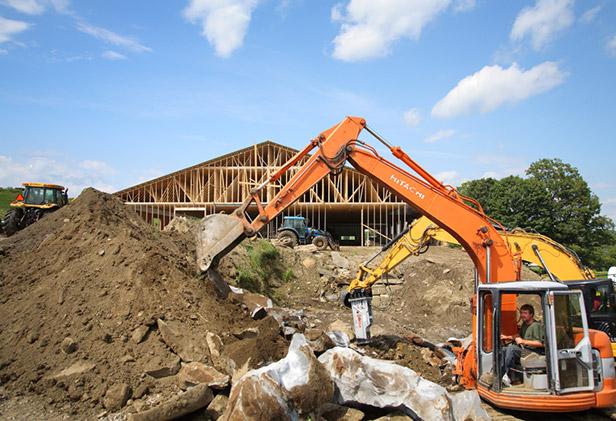 jennifer-and-morgan-churchill-digging