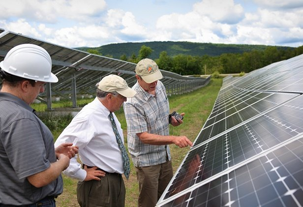 clarendon-solar-farm-maintenance